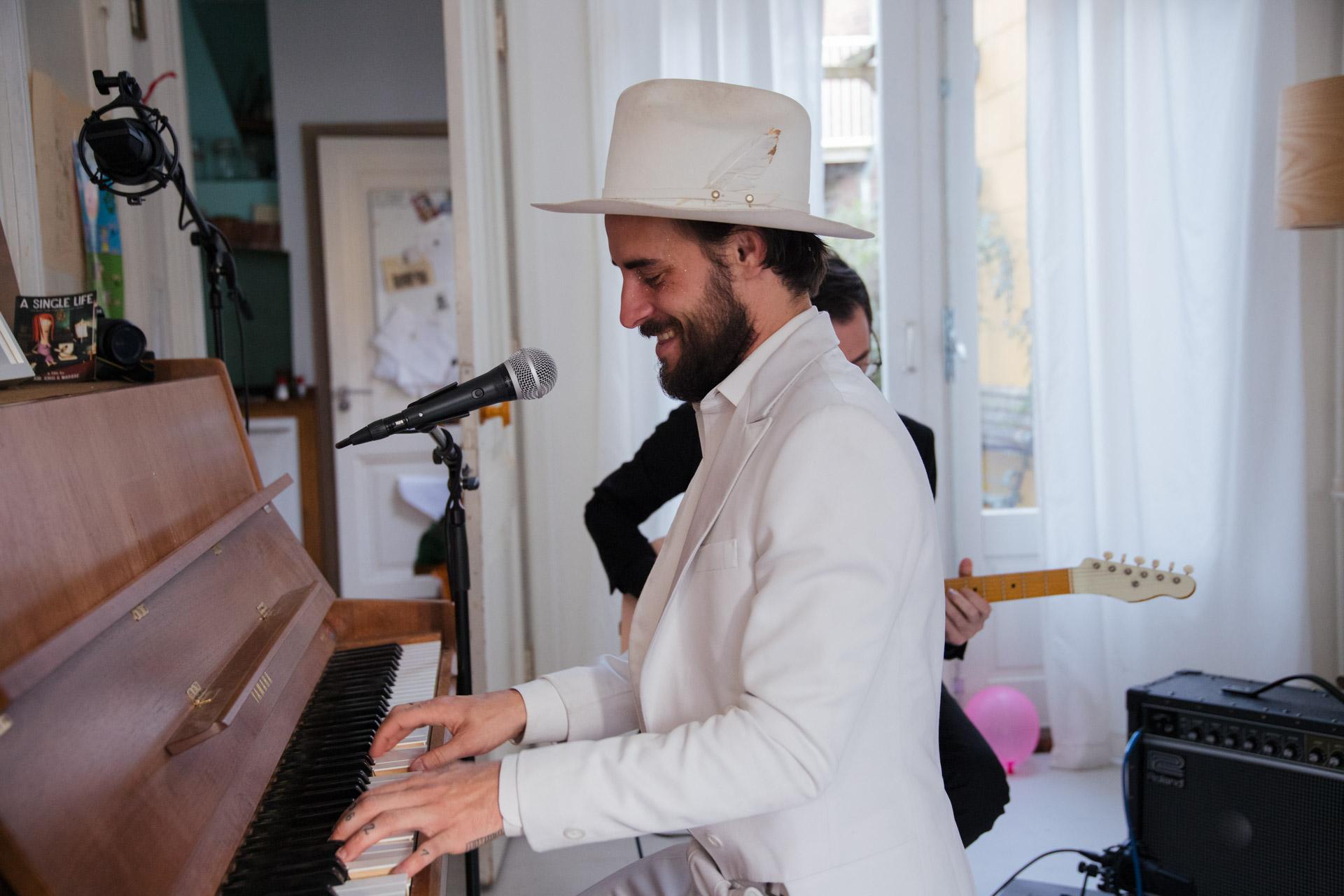 Robert Ellis (Photo by Matthijs van der Ven for theinfluences.com)
